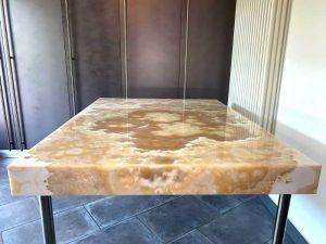 Case History Graniti Cusio tavolo Onice Miele